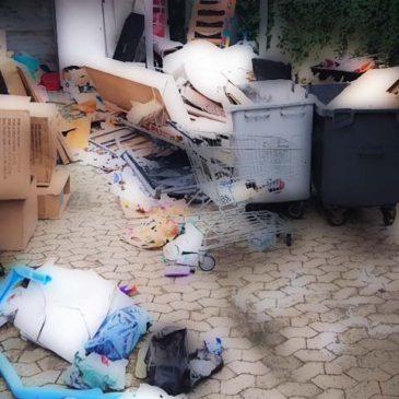 Garbage room closed